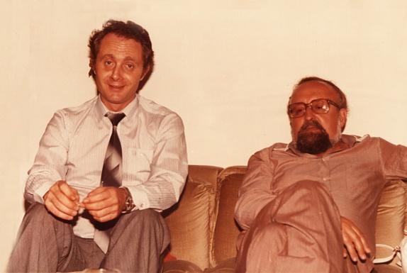 Bogdan está sentado al lado de Penderecki